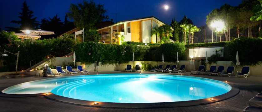 lido-international-pool-by-night.jpg